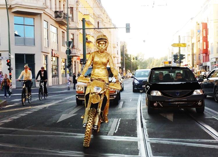 inaviola-eberswalderstr-goldbike